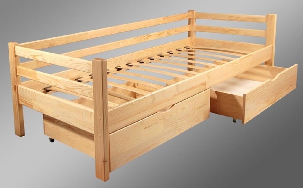 Детская кровать Юниор из сосны в натуральном цвете