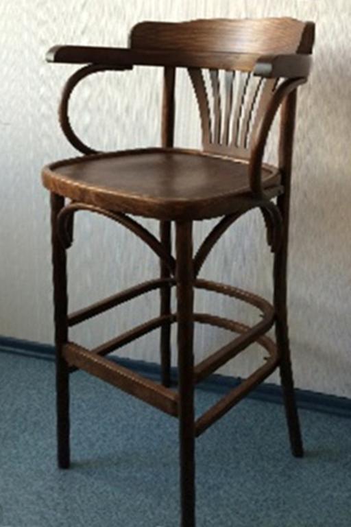 Барный стул с подлокотниками Горец 800 орех, жесткий