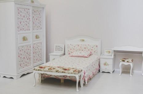 Классическая детская спальня для девочек